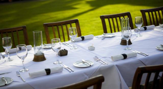 Arts de la Table - Nappes, sets de table, serviette... Nous déclinons les créations de nos artistes sur des produits de la table pour vous permettre de réaliser une décoration unique et tendance.