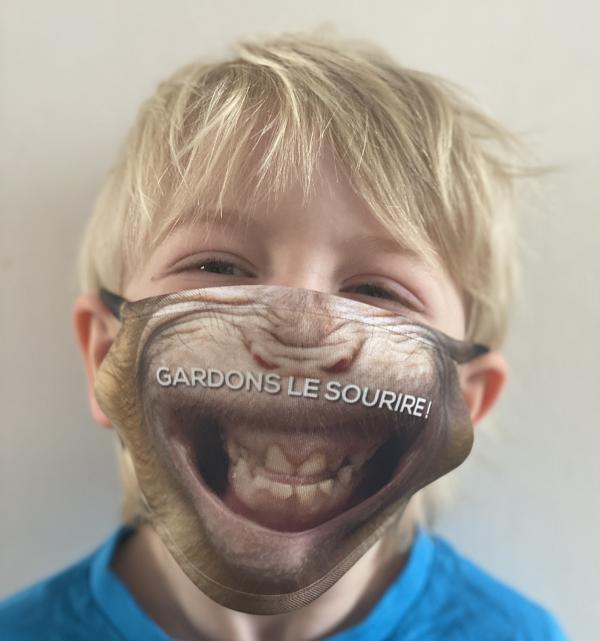Masque en tissu lavable et réutilisable sourire de macaque