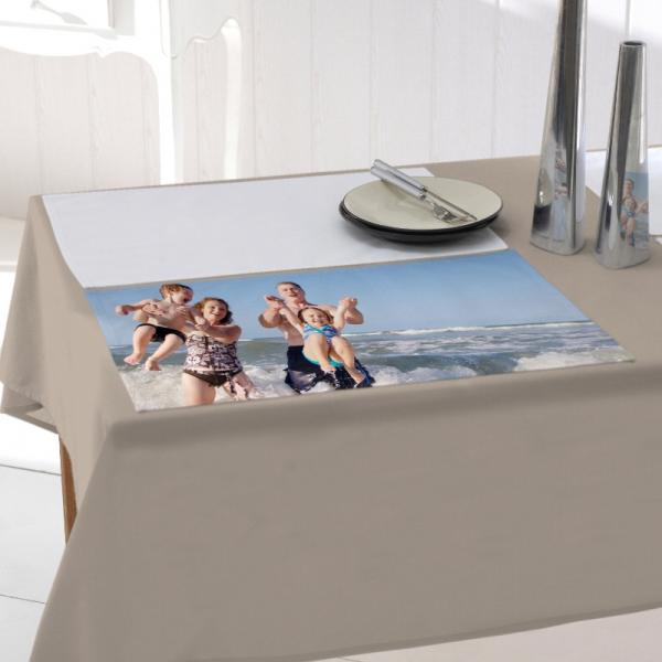 SET-DE-TABLE-AVEC-PHOTO